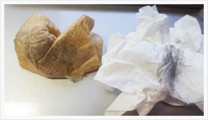 焼き上がりの熱いうちに ゴミ・鉱油等の汚れを、乾いたタオルでふき取ります。