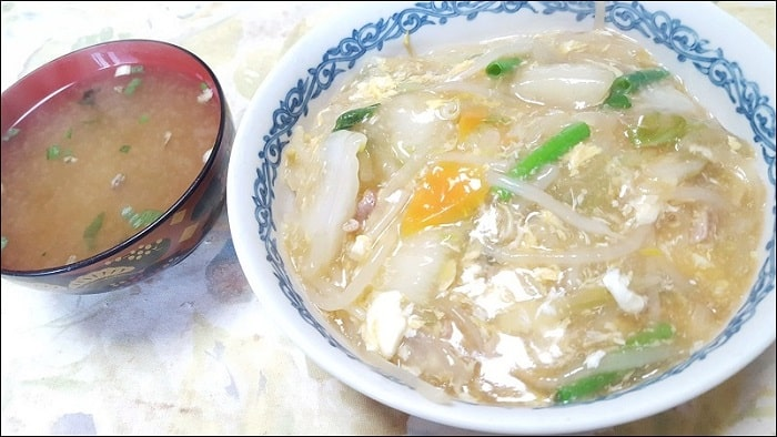 フライパンを使い始めて一番最初のレシピは中華丼