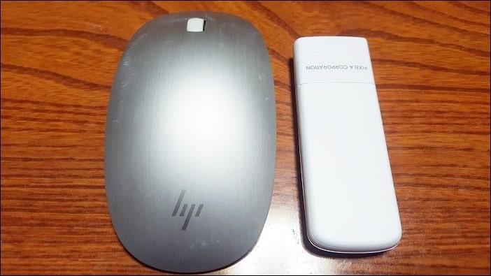 大きさは手のひらサイズでマウスとほぼ同じ
